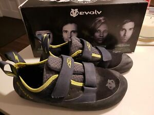 Almost New Climbing Bouldering Shoes 10.5, Soulier Escalade