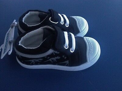 NEW Toddler **6**7**18-24 months SKIDDERS Black Canvas Shoe Sneakers Dinosaurs - Dinosaurs Shoes