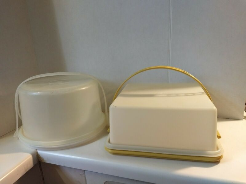 (2) Tupperware Cake Takers Carriers Round Square