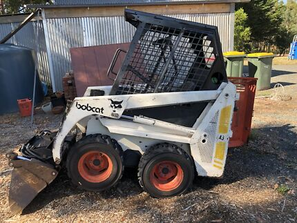 Bobcat 443b with 3t ramps