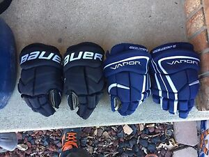 Boys Hockey Gloves - Used