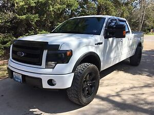 2013 Ford F-150 FX4 luxury 5.0L safetied lots of extras