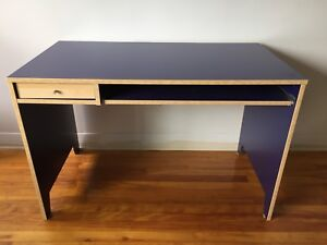 Pupitre IKEA desk