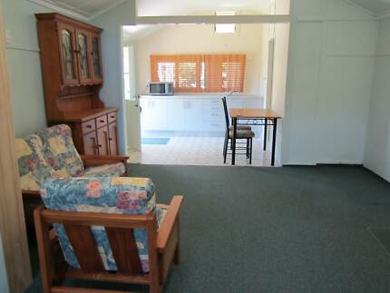 BACHELOR PAD QUIET & AIRY  available NOW Wynnum Brisbane South East Preview