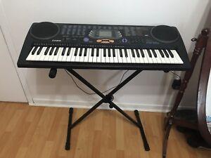 Piano Casio à vendre.