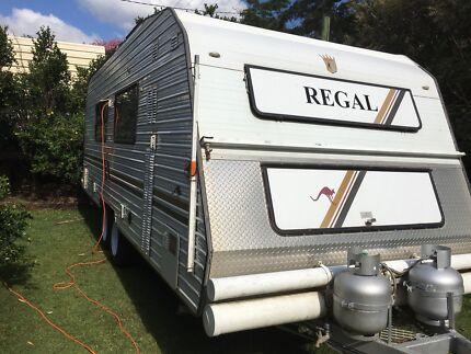 Caravan Regal Deluxe Comfort Tourer