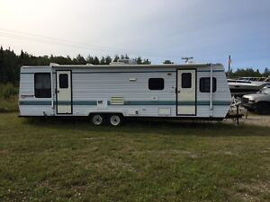 Roulotte 32' fireside 3800$ nego