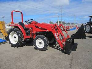 * MITSUBISHI 29HP TRACTOR /4;1 BUCKET * Bentley Canning Area Preview