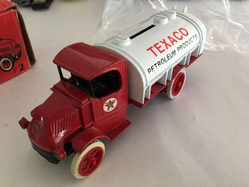 Ertl #2 Texaco 1926 Mack Tanker Truck 1/25 Die-Cast Coin Bank With Box