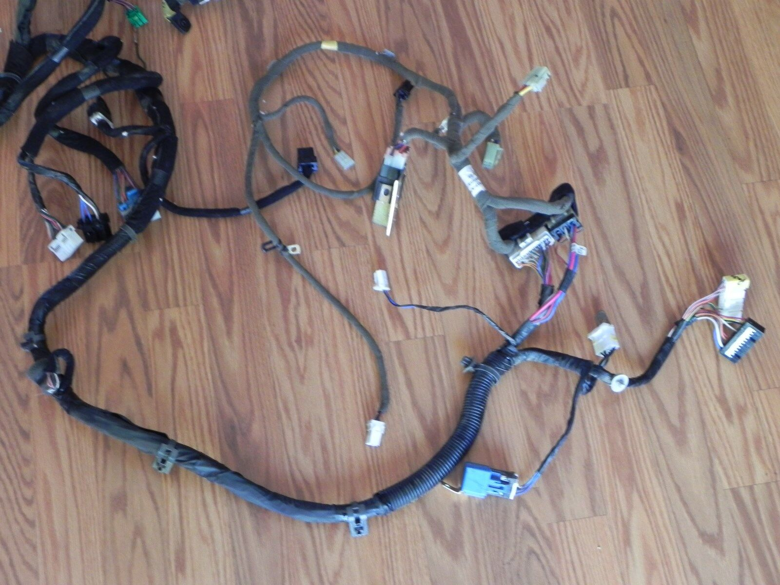 Used Hyundai Dash Parts For Sale Page 30 Sonata Fuse Box 2004 Santa Fe 27l 4wd Interior Wiring Harness