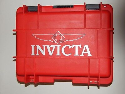 Invicta 8 Slot Dive Case Red R17898