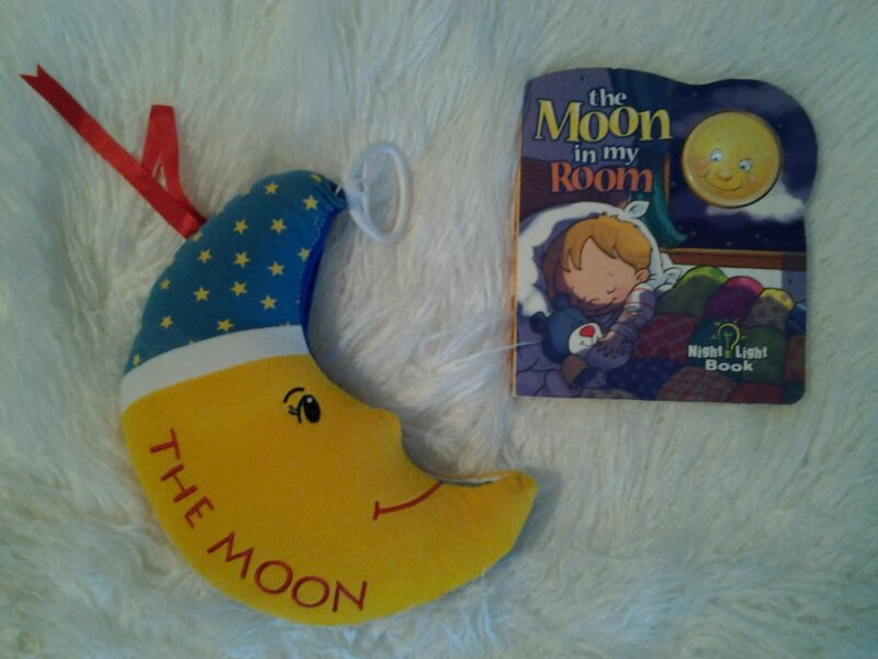 MUSICAL THE MOON INFANT BABY CLOTH BOOK PULL CRIB TOY & MOON IN MY ROOM LIGHT