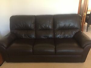 5 seater leather lounge suite Sunnybank Hills Brisbane South West Preview