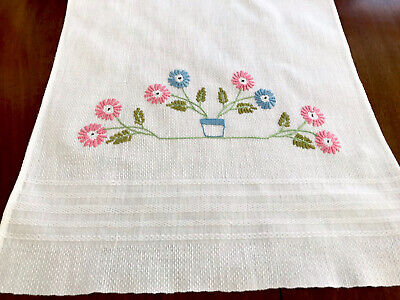 VINTAGE HAND EMBROIDERED WHITE LINEN HUCKABACK HAND TOWEL 15X32 INCH