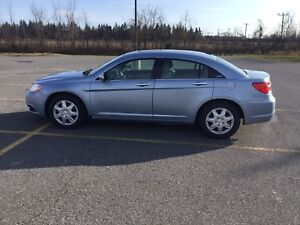 Chrysler 200 Limited , immaculate , loaded with auto start ,