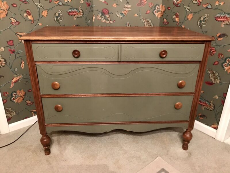 Early American Oak Butlers Chest, Farmhouse Furniture