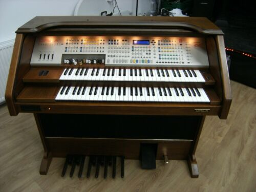 Orla electric organ  GT9000 DLX