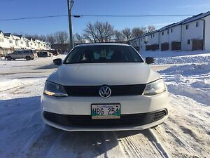 2013 Volkswagen Jetta *low milage and heated seats*