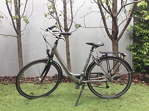 Gazelle Medeo Lite ladies/women's city bike Middle Park Port Phillip Preview