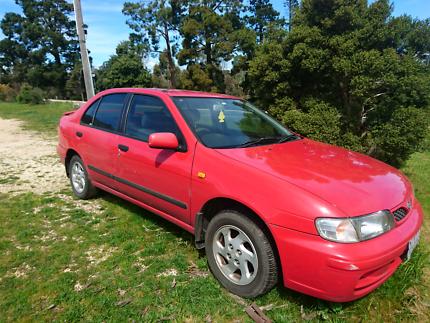 1999 Nissan Pulsar Sedan