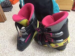 Women's size 8 rossignol ski boots