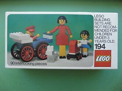 Vintage LEGO, 1975 Building Set with People,Set #194, New in Unopened box