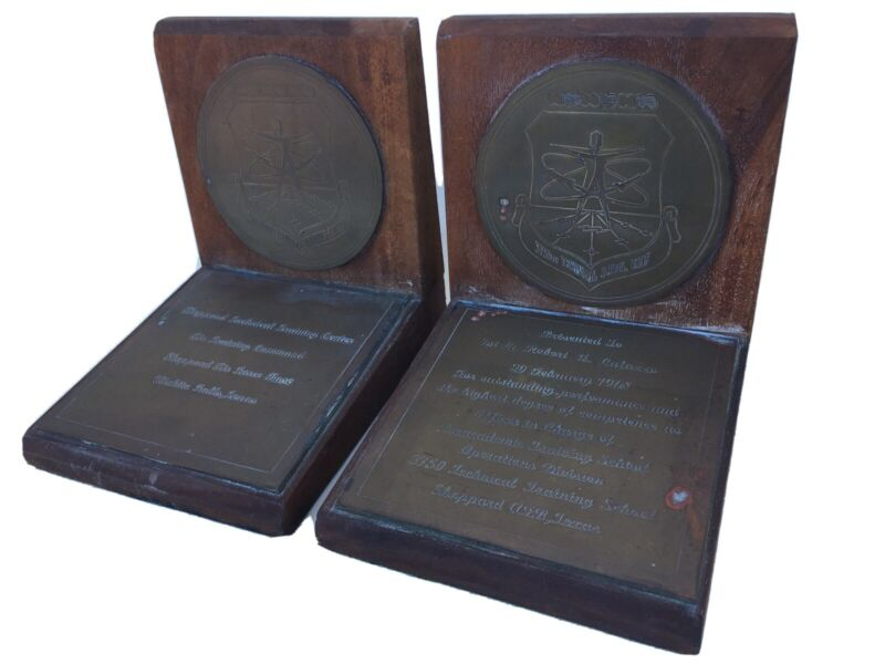 2 VINTAGE Sheppard AFB Texas BOOKENDS BOOK ENDS 1968 extremely rare