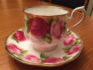 Royal Albert Old English Rose teacup & saucer