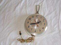 Vintage Herold 504 8 Frying Pan Kitchen Wall Clock Electric Fry SKillet 50's