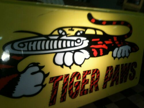 Tiger Paw Tires Sign