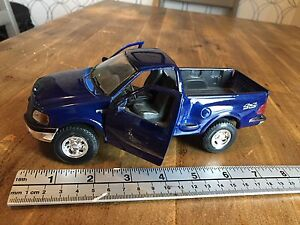 MAISTO: 1997 Ford F-Series F-150 Die-Cast,