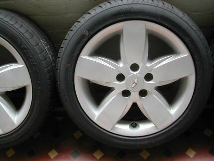 RARE AU SER 3 TICKFORD TE50/REBEL FACTORY ALLOYS AND 2 NEW TYRES