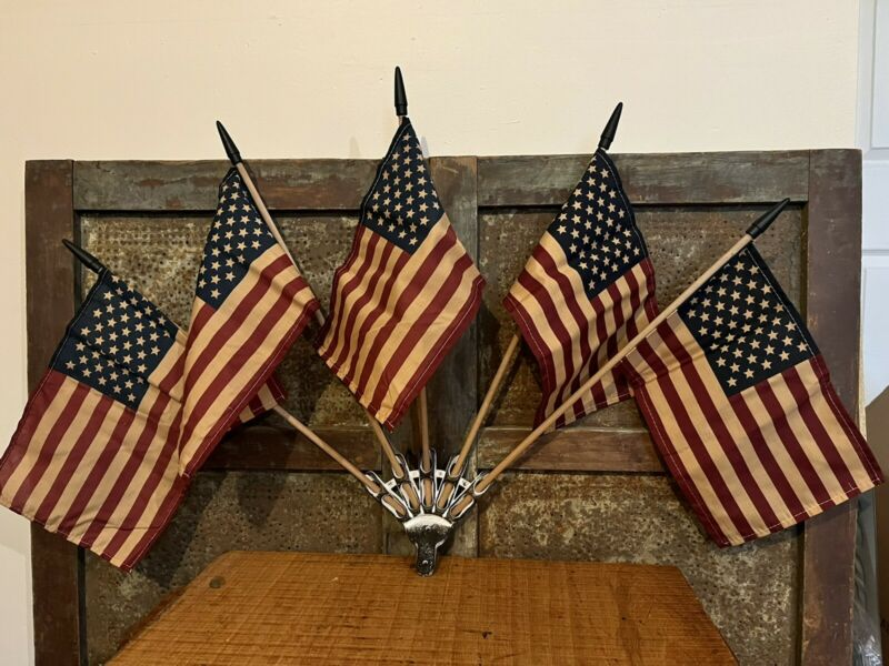 """Primitive Americana Wall Mount w 5 Grubby Tea Stained Flags Patriotic USA 36"""" w"""