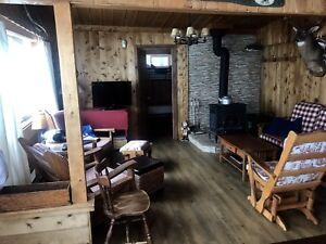 Chalet à louer, à 55 km de Quebec 418-575-9529