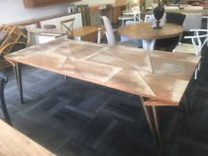 Stunning Solaris dining table Manly Vale Manly Area Preview