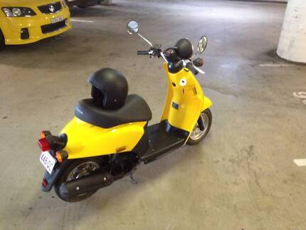 50cc Honda Today (2010) - Low Ks - Great Condition - with Helmet