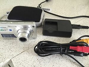 Compact Sony Cybershot digital camera Turner North Canberra Preview