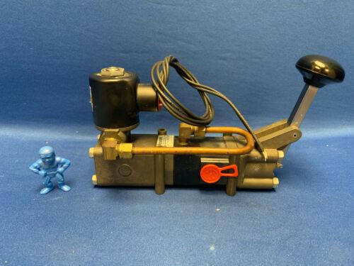 Rexroth Aventics R431008006 (PD-020131-07001) Pneumatic Directional Control Valv