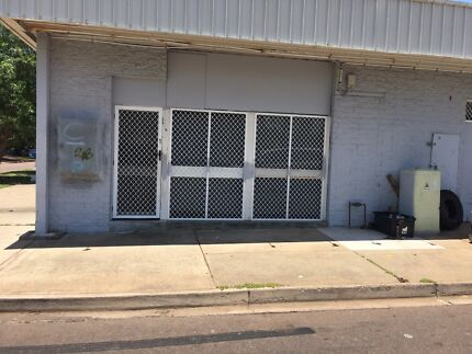 Commercial bargain great location $250