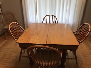 Antique Solid Oak Dining Table & Chairs