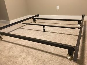 Queen metal bedframe