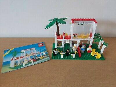 LEGO Vintage 6376 Breezeway Cafe 100% Complete + Instructions (1990)