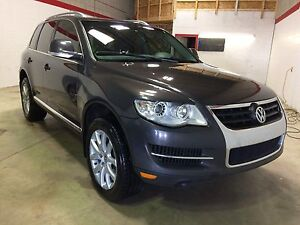 2008 VW Touareg, leather, sunroof, AWD!