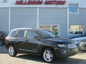 2014 Jeep Compass LIMITED 4WD / NAVIGATION / B-CAM / ROOF / LEAT