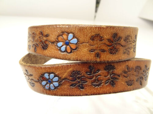 Vtg 70s Hippie Skinny Tooled Floral Painted Leather Belt-32