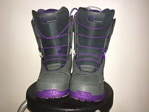 FORUM Snowboard Boots Size 7(US)