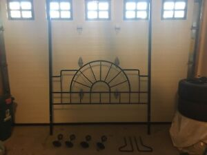 Queen Size 4 Poster Canopy Bed Frame