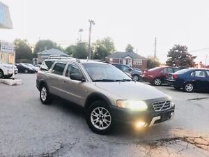 2005 Volvo XC70 CROSS-COUNTRY | VERY CLEAN • LEATHER LOADED