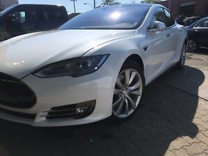 Model S 85D FULL LOAD, auto-pilot, toit ouvrant 33000km !
