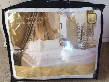 Goose down and feather king size mattress topper Waverley Eastern Suburbs Preview